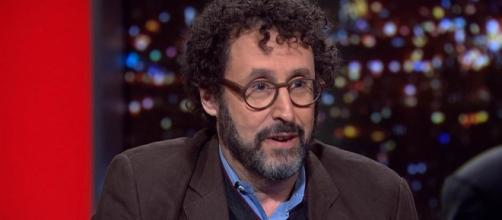 Tony Kushner is making a play about 'borderline psychotic' Trump.