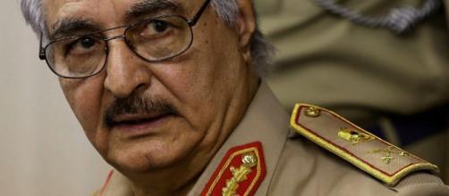 l generale Haftar minaccia le navi italiane che entreranno nella acque libiche
