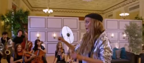 Tyra Banks on America's Got Talent 2017 (Talent Recap/YouTube)