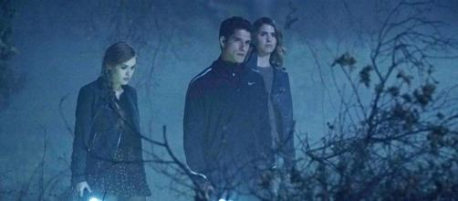 Teen Wolf' Season 6 Spoilers: Lydia Tries To Remember A Loved One ... -[Image source: Youtube Screen grab]
