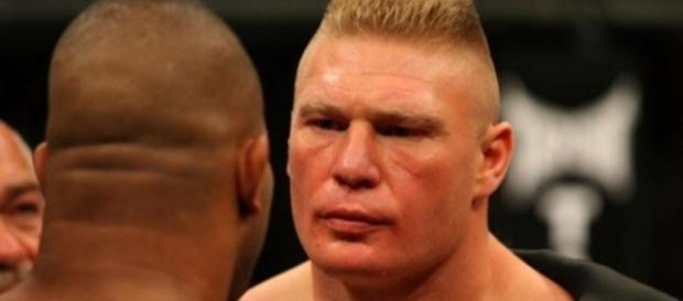 Brock Lesnar encara Overeem no UFC (Foto: Reprodução)