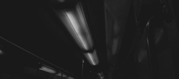 Luces interiores de un vagón del Metropolitano.