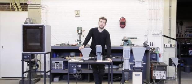 Máquinas caseiras de reciclagem inventadas por Dave Hakkens - Créditos: Precious Plastic