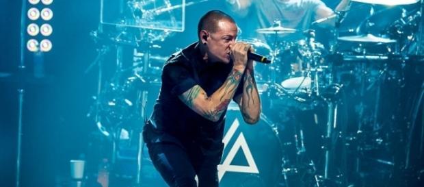 Shock per i Linkin Park: addio a Chester Bennington