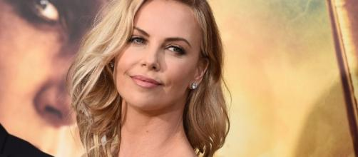 """Charlize Theron Talks Gender Pay Gap in Hollywood: """"This is a Good ... [Image source: Youtube Screen grab]"""