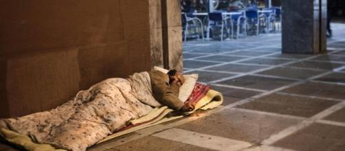 Delitos de odio contra las personas sin hogar