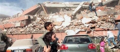 En 1999, un violent séisme en Turque a provoqué la mort de plus de 17 000 personnes.