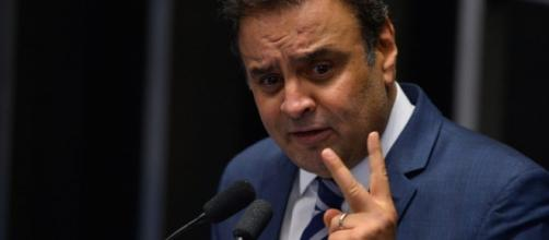 PGR denuncia Aécio Neves ao STF por corrupção passiva e obstrução