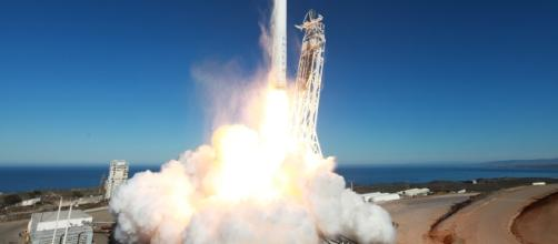 The launch for SpaceX Falcon Heavy is scheduled in 2018 but Elon Musk said there is a big risk involved. Image Source: Pixabay.