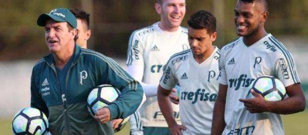 Cuca comanda treino no Palmeiras (Foto: Reprodução)
