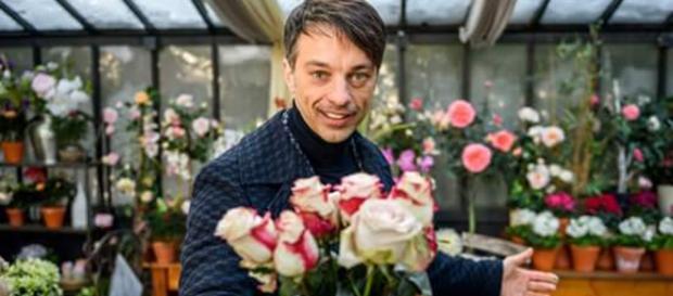 Lorenzo Patanè ritorna al Furstenhof per rivestire i panni di Robert a partire dalla puntata 2656 alla 2663.