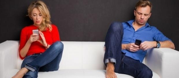 Você possui um relacionamento real ou é apenas algo que você quer mostrar pela internet?