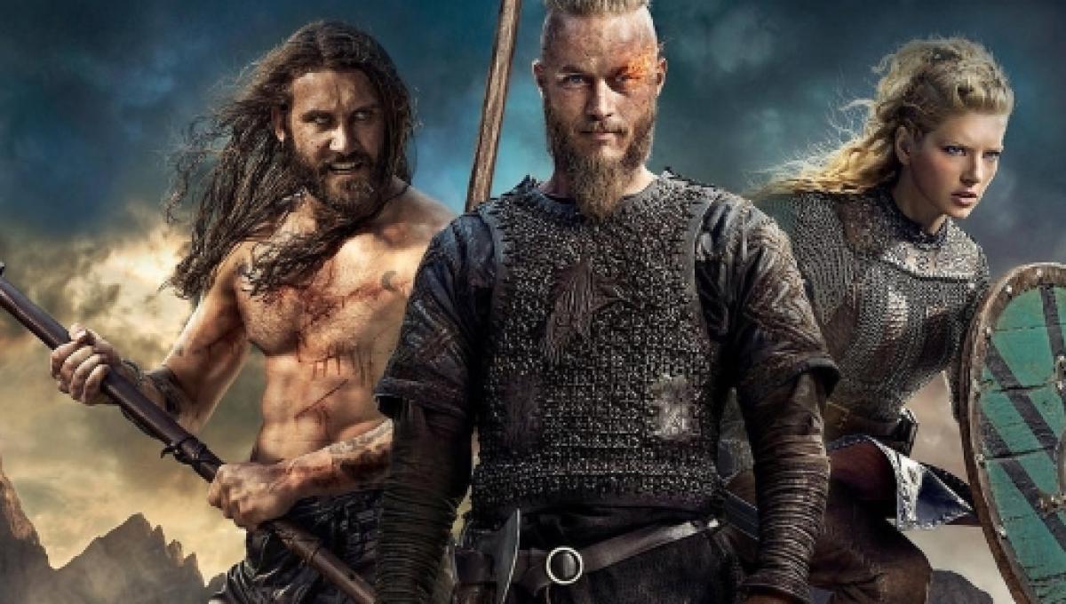 Travis Fimmel Crashes Vikings Panel At Sdcc Ragnar Lothbrok Pranks Cast Mates