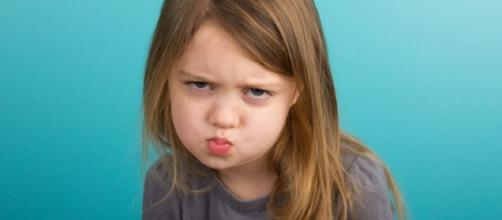 Crianças teimosas e desobedientes podem se tornar ricos na vida adulta