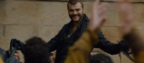 Euron riding in the street of King's Landing. Screencap: GameofThrones via YouTube