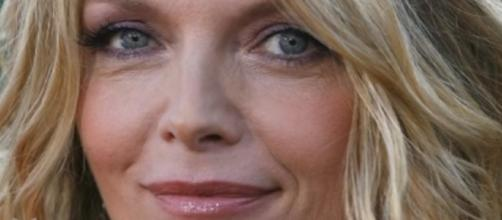 Michelle Pfeiffer Cast as Janet Van Dyne in Ant-Man & The Wasp! Hybrid Network - YouTube