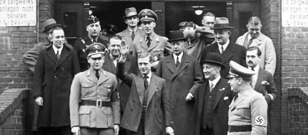 Controversial Topics: Ruined Nazi Duke of Windsor And British ... - blogspot.com