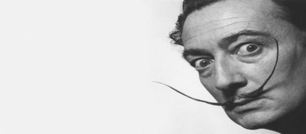 Durante la exhumación del cuerpo de Dalí se ha descubierto que su bigote sigue 'intacto'.