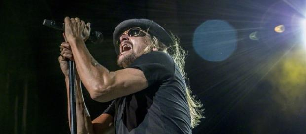 Kid Rock in performance (wikimedia commons)