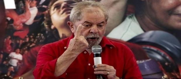 O ex-presidente Luiz Inácio Lula da Silva (PT) desabafa e faz críticas aos adversários