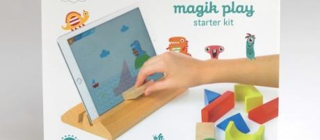 Magik Play is an app that interacts with blocks thereby combining physical and virtual play. / Photo via Hugo Ribeiro, used with permission.
