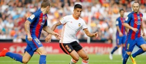 Barcelona will sign Valencia full-back Joao Cancelo next season on ... - fcbarca.me