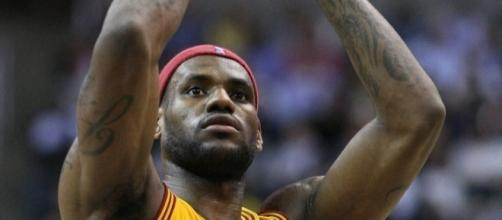 LeBron James is reportedly headed to the Lakers in 2018 – Keith Allison via WikiCommons