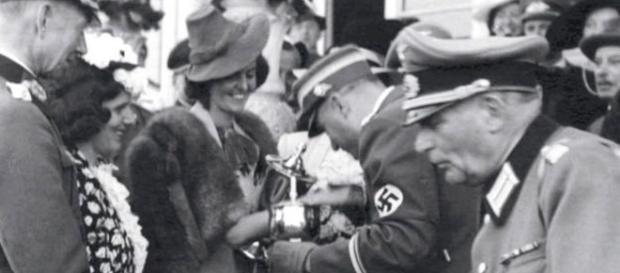 A tia-avó de jornalista era simpatizante com os nazistas - acervo David Litchfield