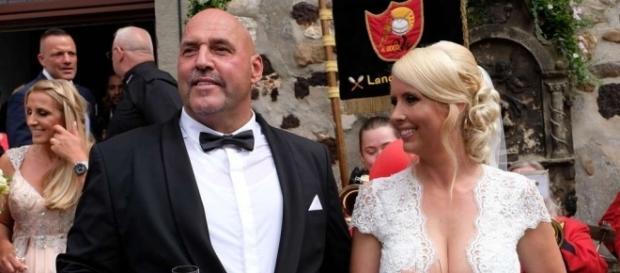 """""""Hells Angels""""-Chef Frank Hanebuth (52) heiratete seine Sarah (36) standesamtlich und kirchlich / Foto: tz.de"""