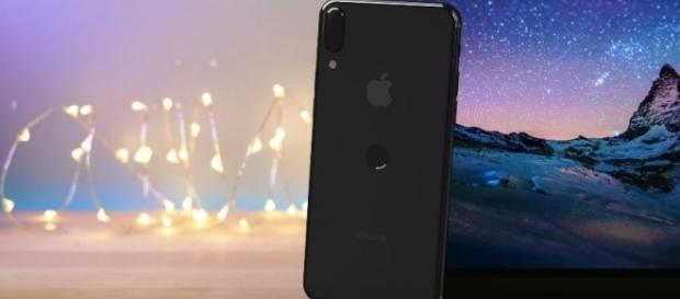 New leaked images of iPhone 8 - YouTube/EverythingApplePro