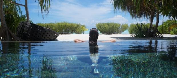Piscina privativa em frente à praia privativa - Créditos: Paulo Panayotis/Adriana Reis