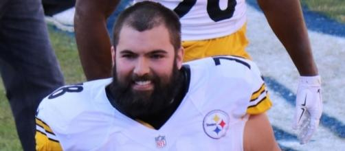 """Alejandro Villanueva - Former Army Ranger, now a player on the Pittsburgh Steelers. He's 6'9"""" and weighs 320 pounds by Jeffrey Beall via Flickr"""