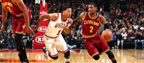 Derrick Rose and Kyrie Irving goes head to head (via YouTube - Haron A)
