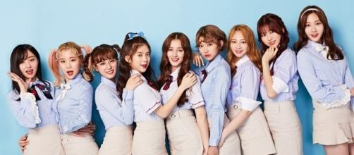 """Momoland group photo promotion for """"Wonderful Love"""" (via pre-release promotions for """"Wonderful Love"""" by Dublekick Company)"""
