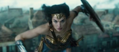 Patty Jenkins Talks Wonder Woman Deleted Scenes and Sequel Plans - slashfilm.com