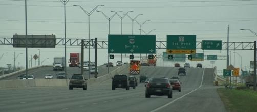 U.S. Highway 90 in San Antonio, Texas (credit – Holderca1 – wikimediacommons)