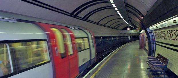 Commuters in UK troll TFL on Twitter. [Image via Wikimedia Commons]