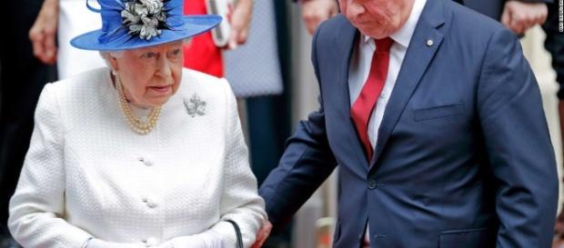 Holding the Queen's elbow: A royal blunder - CNN Video - cnn.com