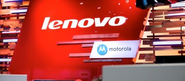 Lenovo shows of foldable device / Photo via Karlis Dambrans, Flickr