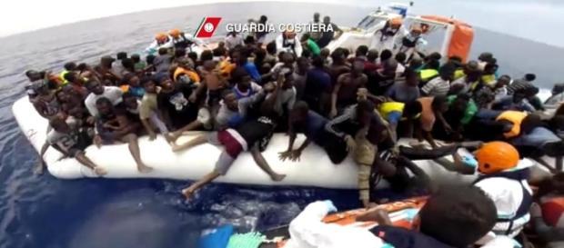 Migranti che arrivano sulle nostre coste
