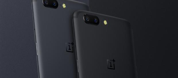 OnePlus 5 will be available in three color variants, including 'Midnight Black'. [Image via Facebook/OnePlus]