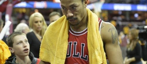 After meeting Monday with the senior staff of the franchise, Derrick Rose has pledged to sign with the Cleveland Cavaliers