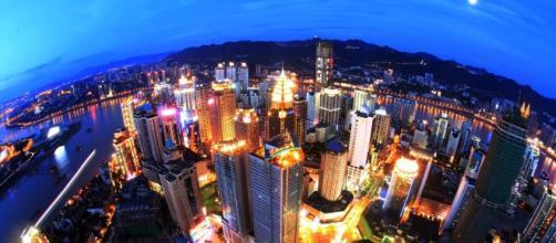 Chongqing Night Yuzhong/Wikimedia Commons
