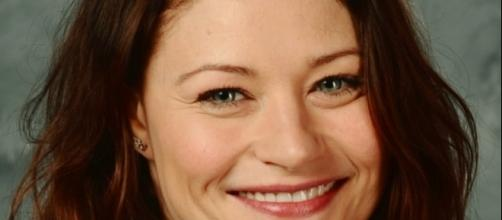 Emilie de Ravin plays Belle in 'Once Upon a Time' via Flickr / Florida Supercon