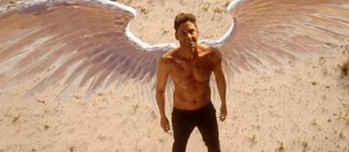 "Lucifer is jealous of a new man in Chloe Decker's life in ""Lucifer"" Season 3. (Photo:YouTube/TVPromosDB)"