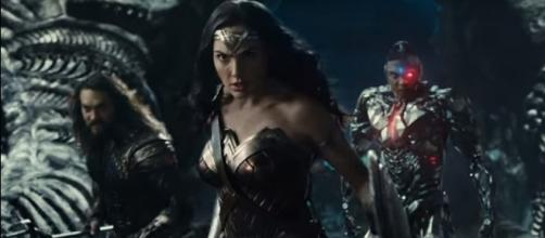 Wonderwoman, Aquaman, and Cyborg preparing for a fight - YouTube/Warner Bros. Pictures
