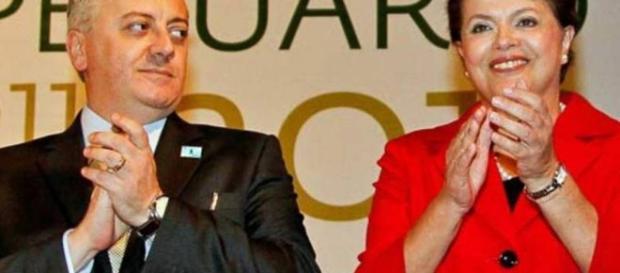Aldemir Bendine ao lado da ex presidenta Dilma Roussef