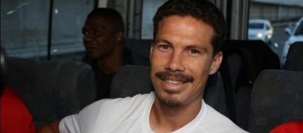 Hernanes deve estrear contra o Botafogo