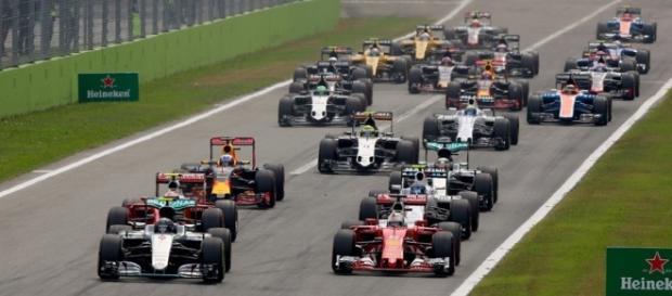 Circuito Ungheria : Formula 1 questo weekend riprende la sfida hamilton vettel
