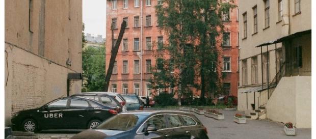 Uber taxi located in St Petersburg - https://www.flickr.com/photos/psyxek/35763088081/